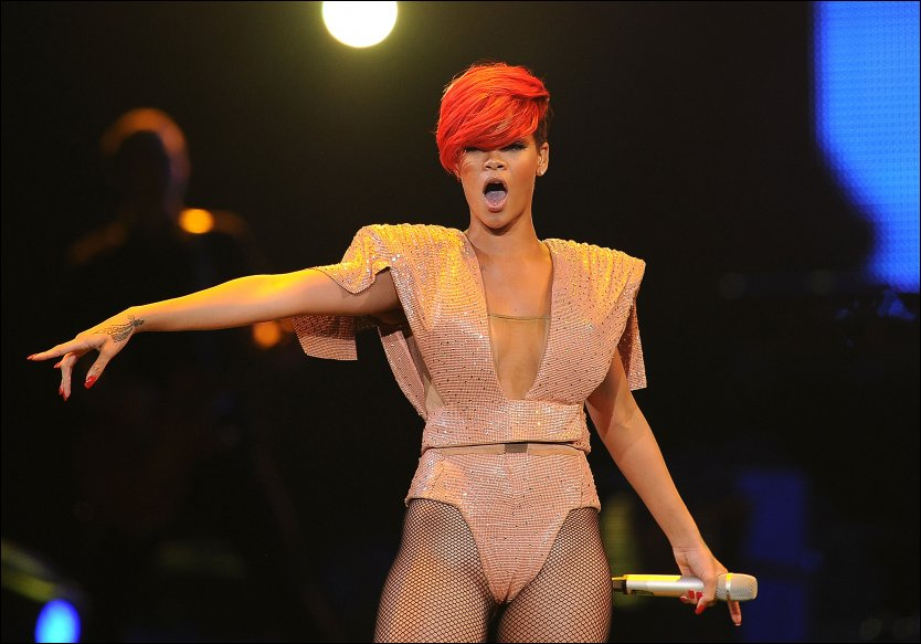 Rihanna camel toe sorry