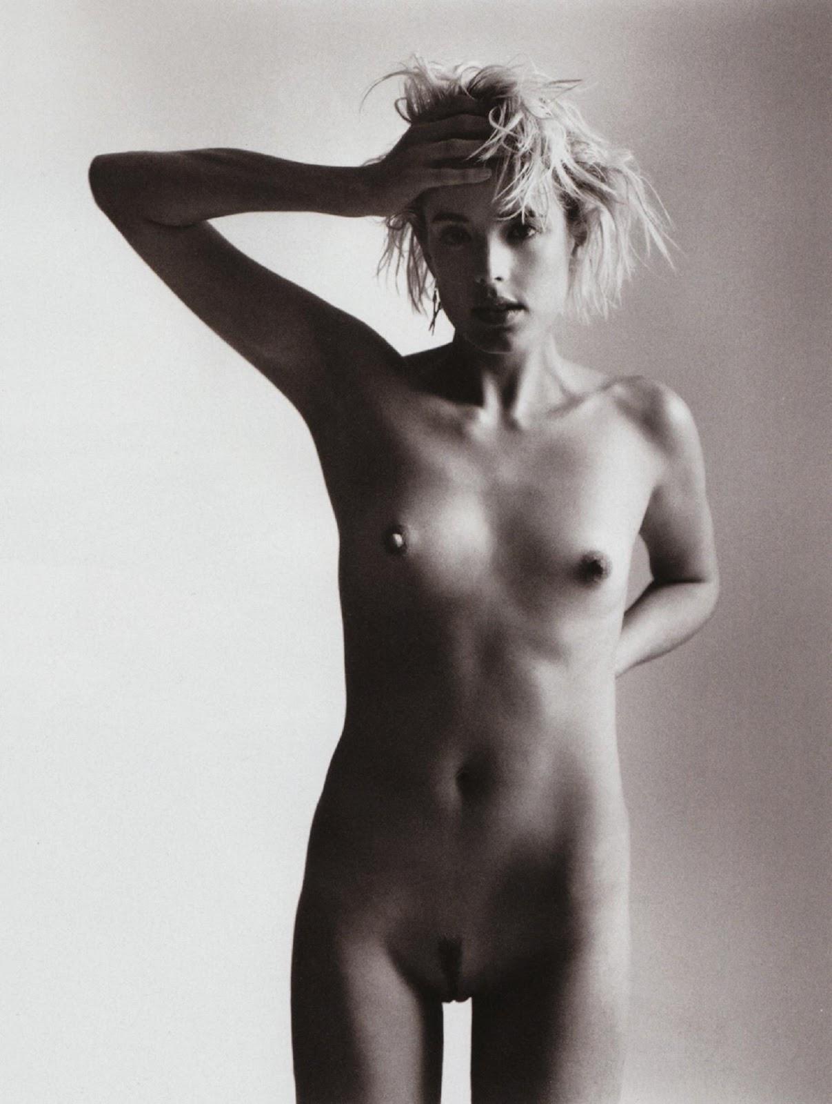 Supermodel Agyness Deyn's Nude Fire Escape Photoshoot